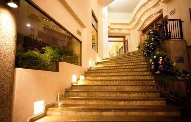 Fortin Plaza - Hotel - 2