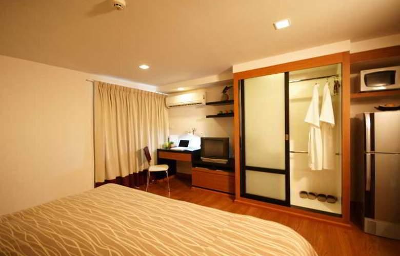 I Residence Sathorn (Formerly Premier Residence) - Room - 11