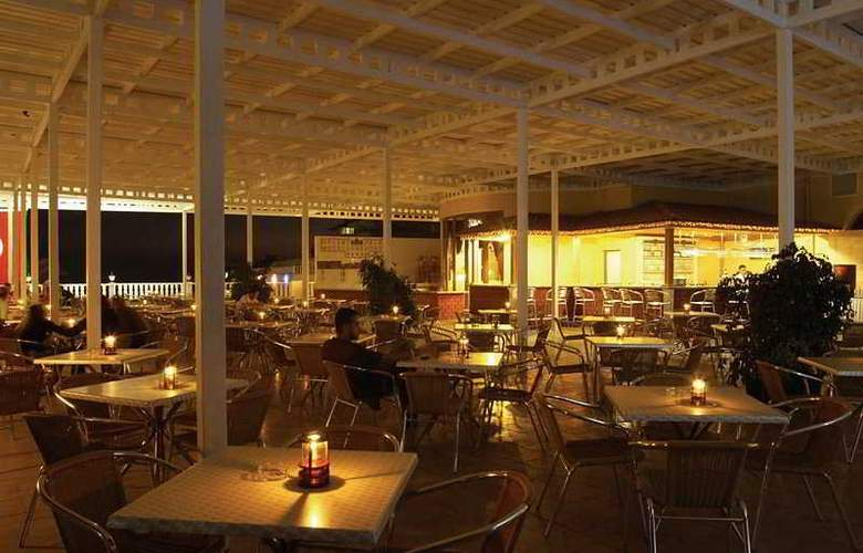 Orient Palace Hotel & Resort - Restaurant - 8
