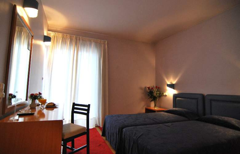 Iniohos Hotel - Room - 6