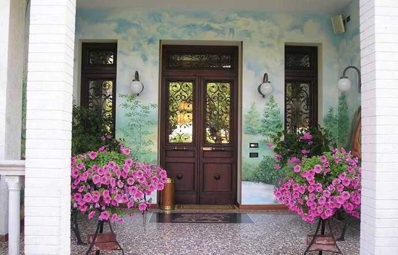 Park Hotel Villa Leon d'Oro - General - 2