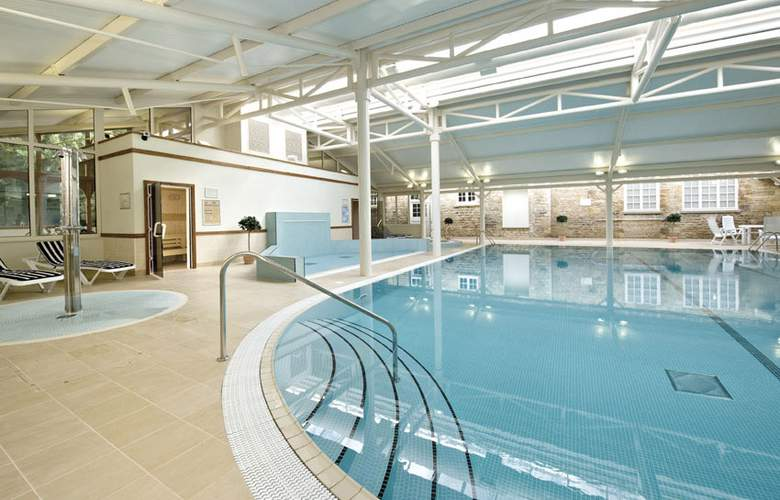 Best Western Plus Orton Hall Hotel & Spa - Pool - 3
