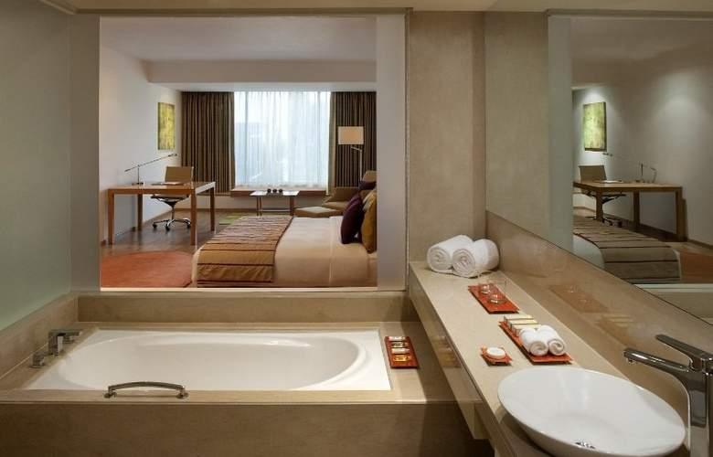 Radisson Blu Plaza Hotel Hyderabad Banjara Hills - Room - 6