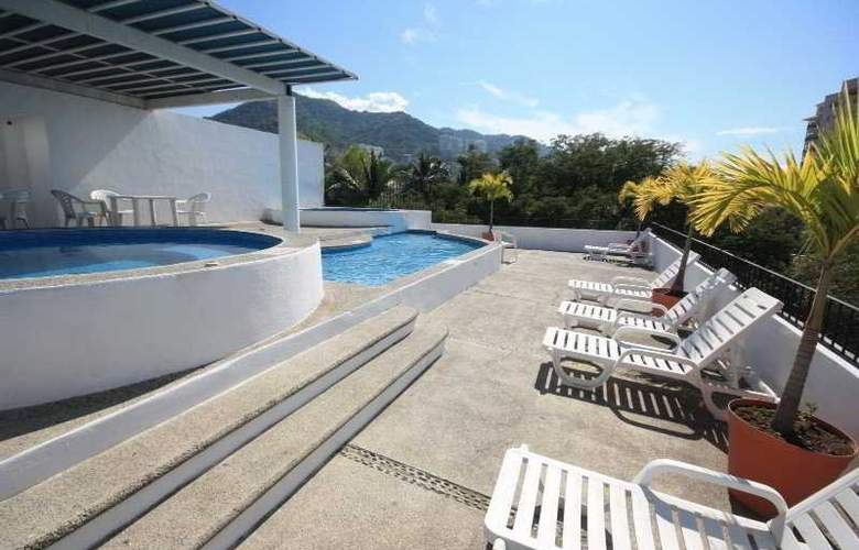 Suites Plaza del Rio - Pool - 3