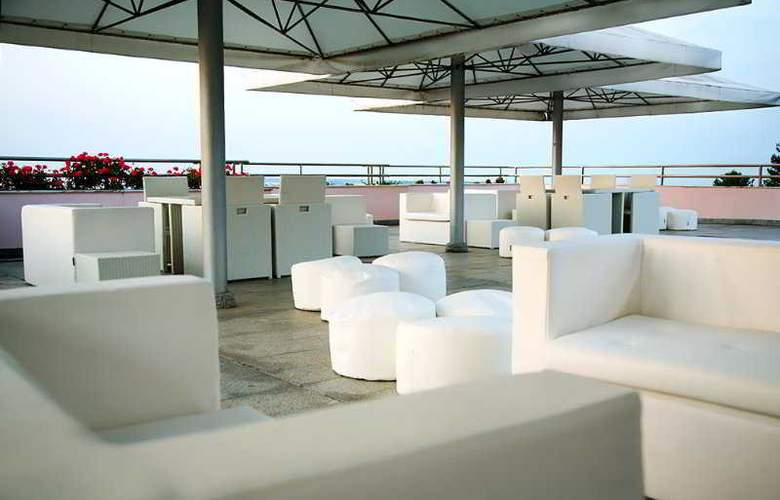 Hotel Do Sado Business & Nature - Terrace - 3