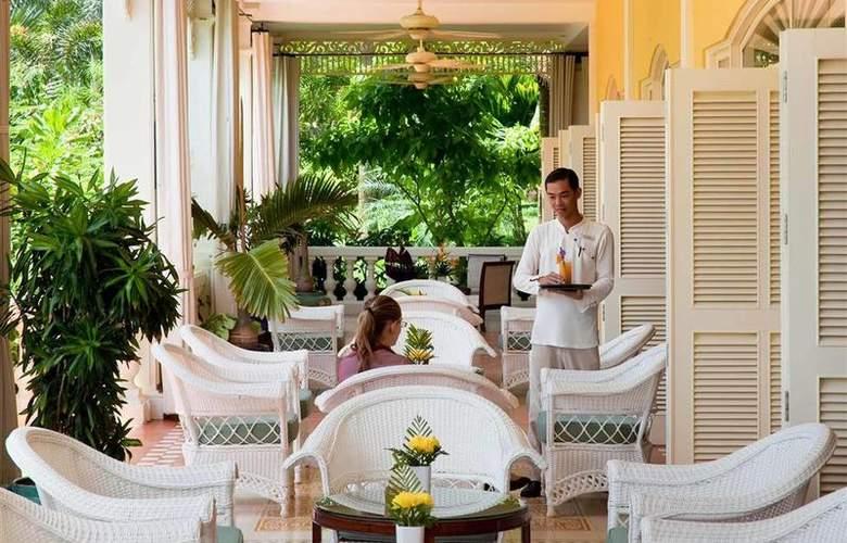 La Veranda Resort - Bar - 35