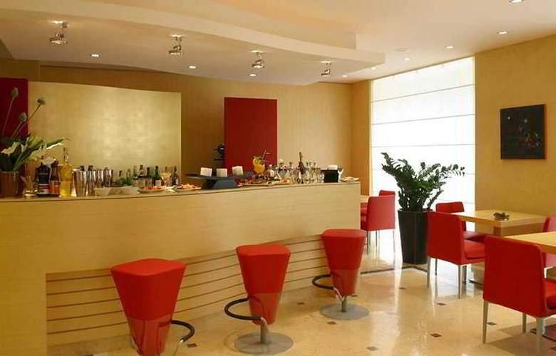 Holiday Inn Milan Garibaldi Station - Bar - 3