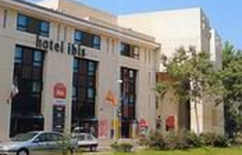 Ibis Avignon Centre Gare - Hotel - 0