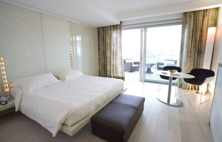 Premier and Suites - Hotel - 3