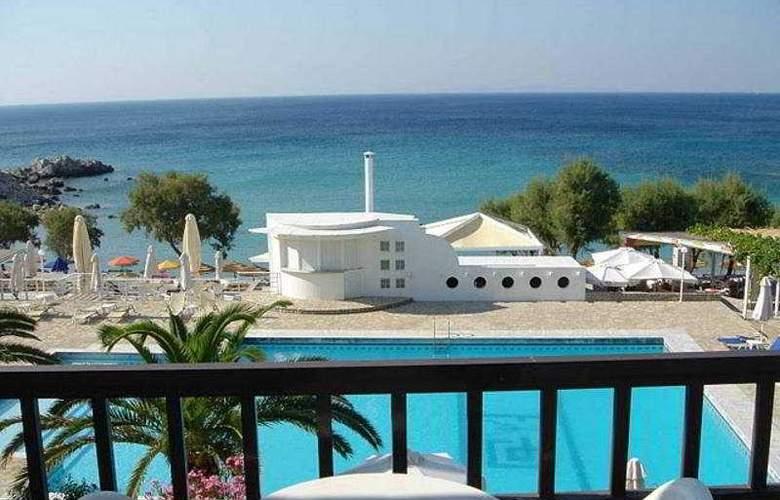 Glikorisa Beach - Terrace - 9