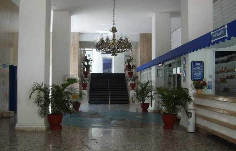 Auto Hotel Ritz - General - 1