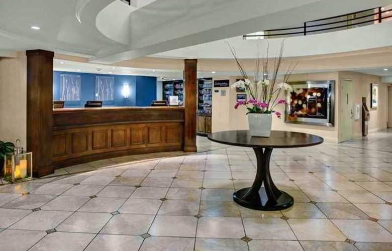 Hilton Garden Inn Monterey - Hotel - 2