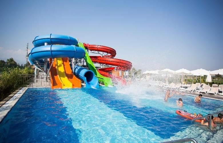 Water Side Delux Resort - Sport - 112