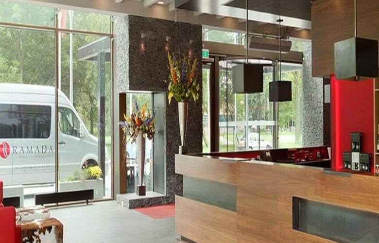 Ramada Apollo Amsterdam Centre - Hotel - 1