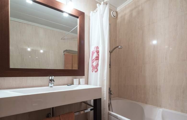 Dom Pedro Garajau - Room - 11
