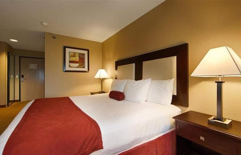 Best Western Plus Macomb Inn - Room - 55