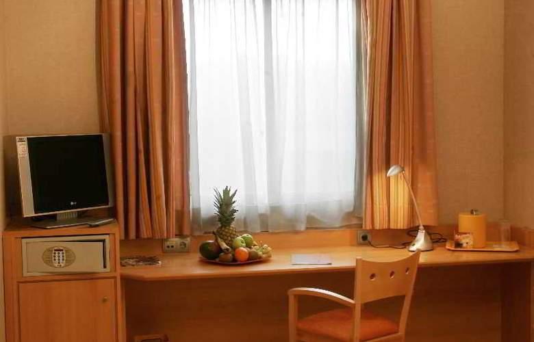Posadas de España Malaga - Room - 13