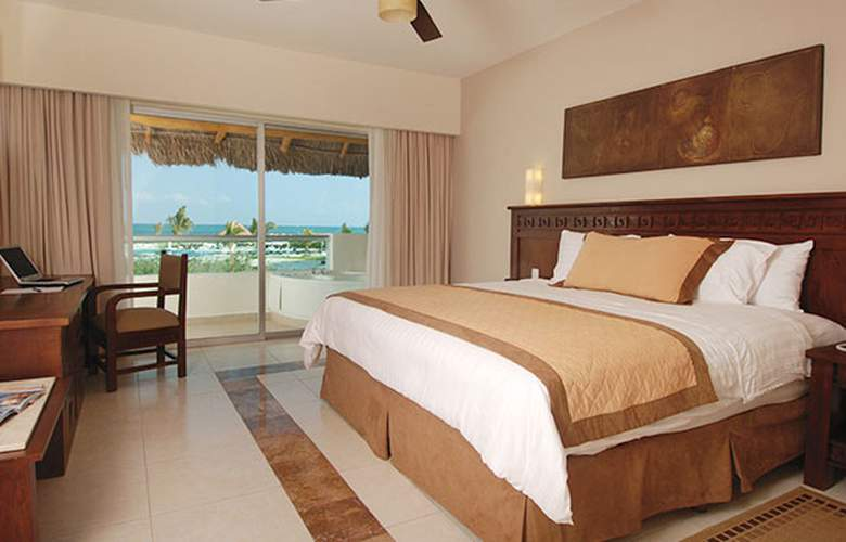 BlueBay Grand Esmeralda - Room - 1