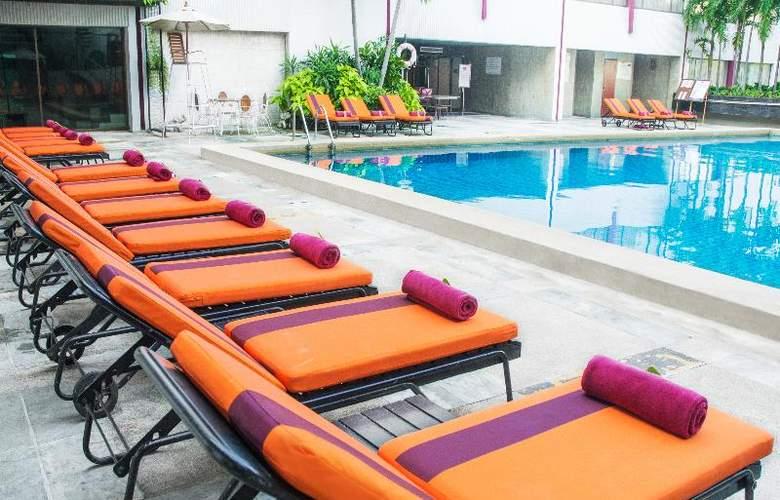 Ambassador Bangkok - Pool - 18