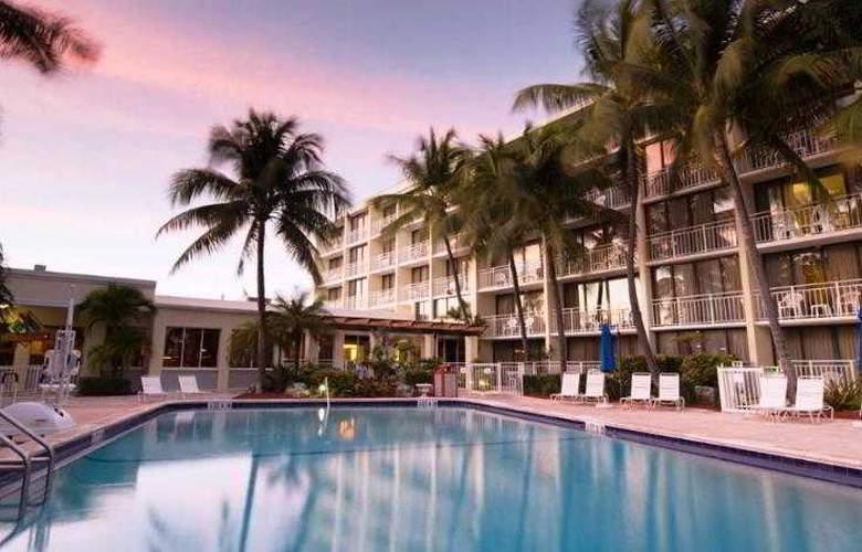 Hampton Inn & Suites Islamorada - Pool - 0