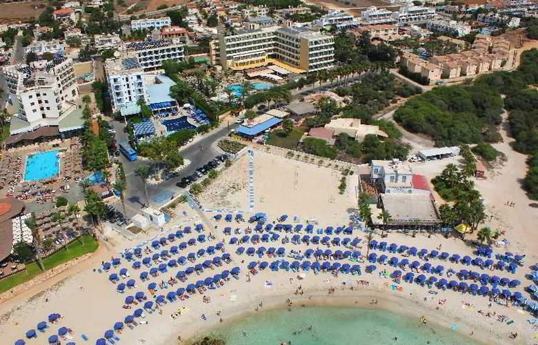 Anonymous Beach Hotel - Hotel - 0