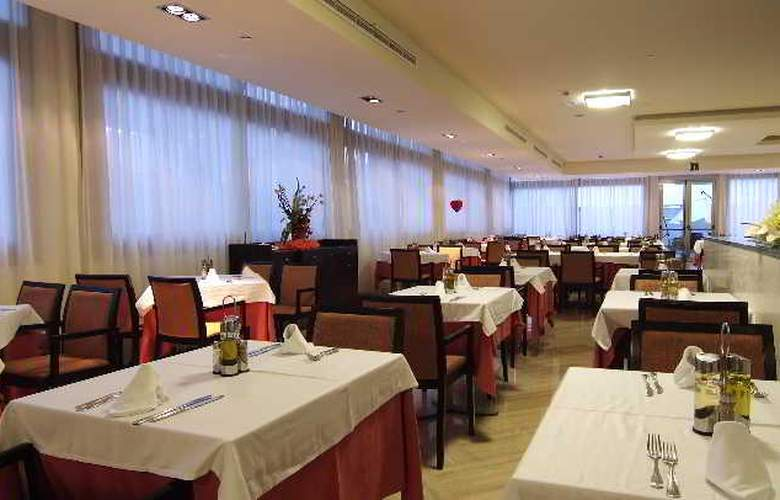 Sandos Monaco Beach Hotel and Spa - Restaurant - 28