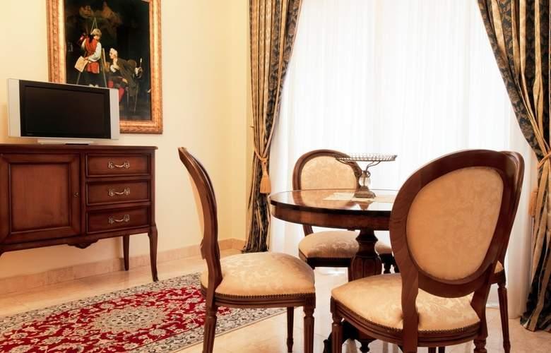 President - Room - 2