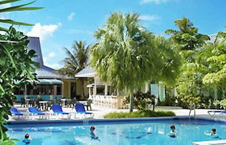 Royal Islander Hotel - Pool - 1