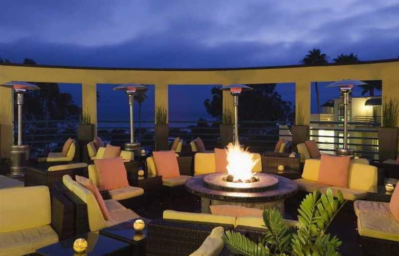 DoubleTree Suites by Hilton Hotel Doheny Beach - Hotel - 2