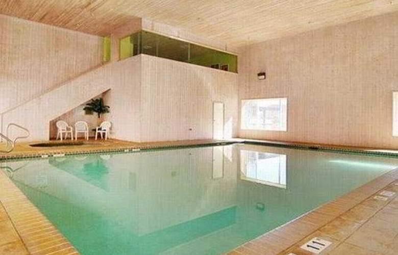 Comfort Suites Moab - Pool - 6
