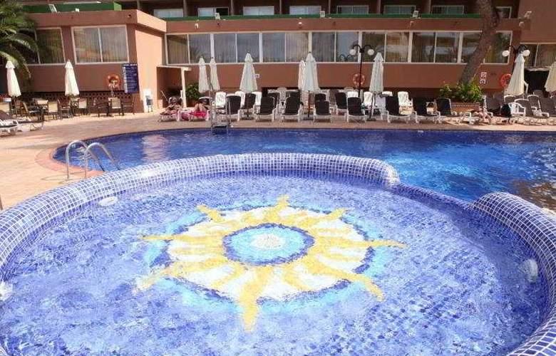 Azuline Coral Beach - Pool - 3