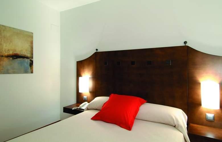 Exe Ágora Cáceres - Room - 8