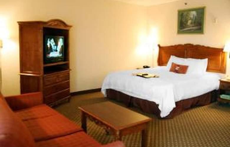 Hampton Inn Detroit/Warren - Room - 5