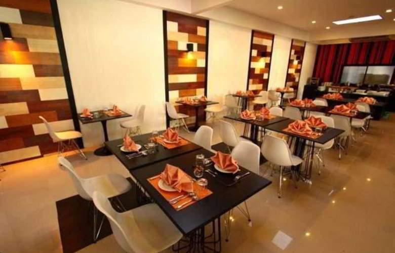 Heritage Hotels Srinakarin - Restaurant - 6