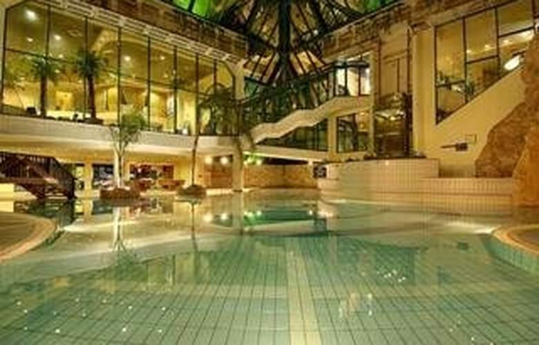 U Sunrise Club Eilat All Inclusive - Pool - 4