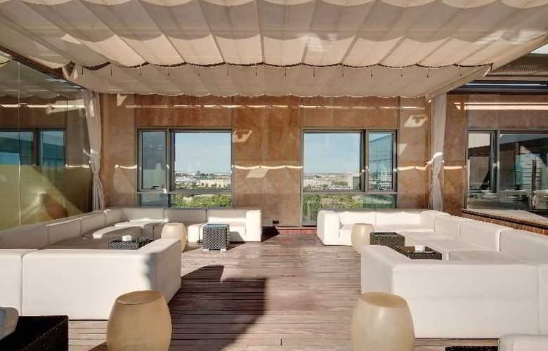 Rafaelhoteles Madrid Norte - Terrace - 53