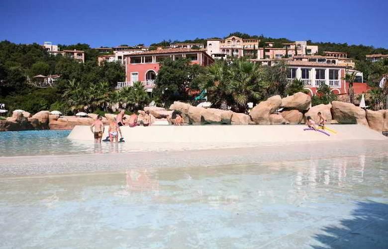 Pierre et Vacances Village Club Les Restanques du Golfe de Saint-Tropez - Pool - 16