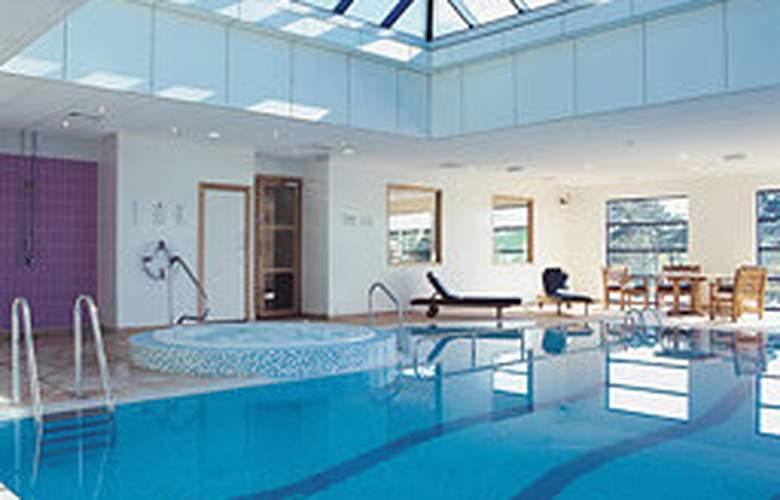 Holiday Inn Luton South M1, JCT.9 - Pool - 3