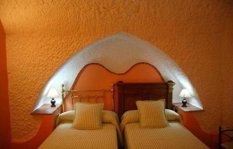 Cuevas La Granja - Room - 8