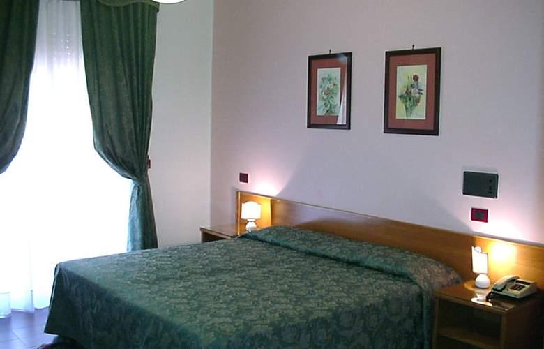Andromaco - Room - 5
