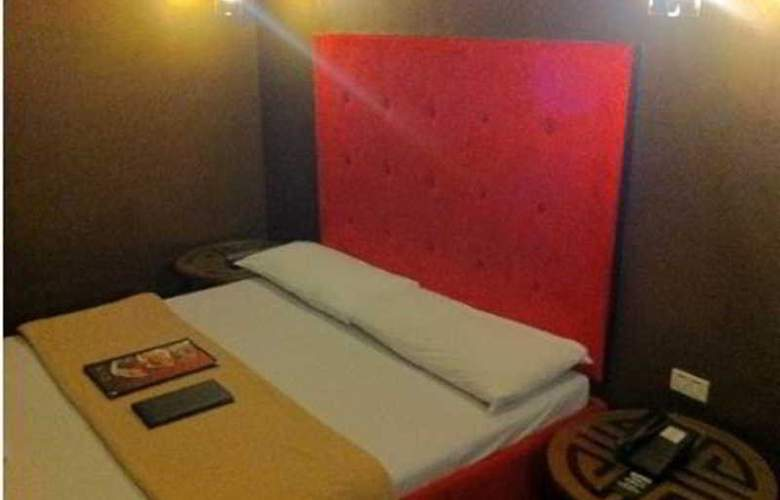 Victoria Court Cuneta - Room - 8
