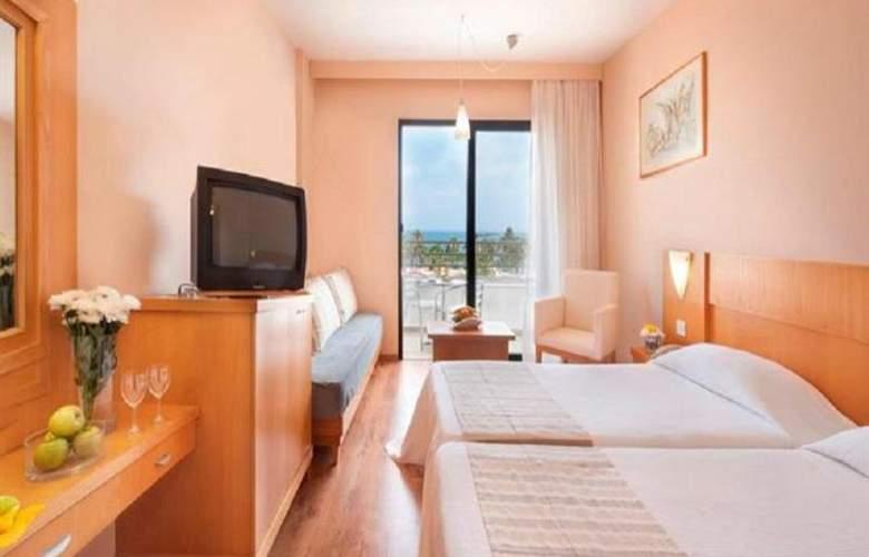 Louis Phaethon Beach - Room - 7