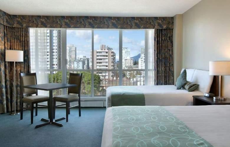 Coast Plaza Hotel & Suites - Room - 2