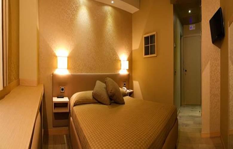 Mentana - Room - 1