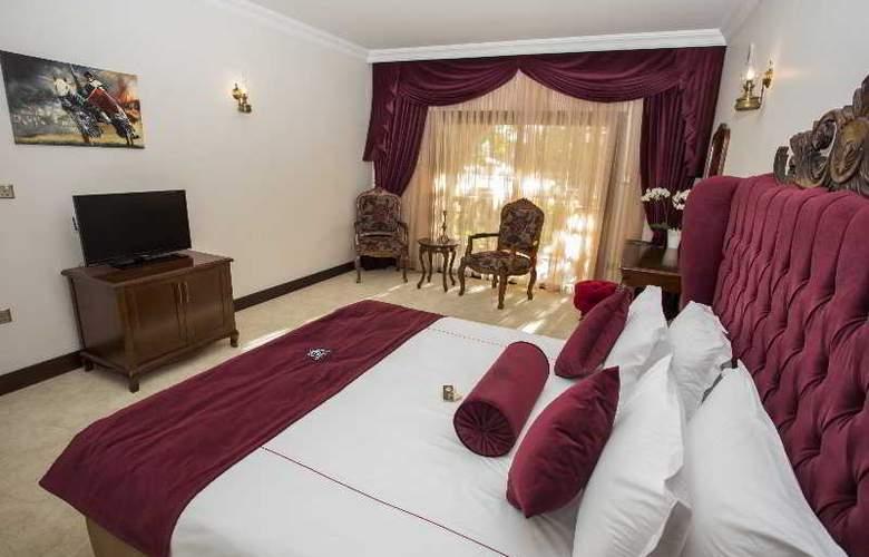 Chateau Lambousa Hotel - Room - 15