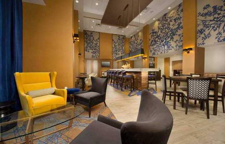 Hampton Inn and Suites Baltimore/Woodlawn, MD - Hotel - 1
