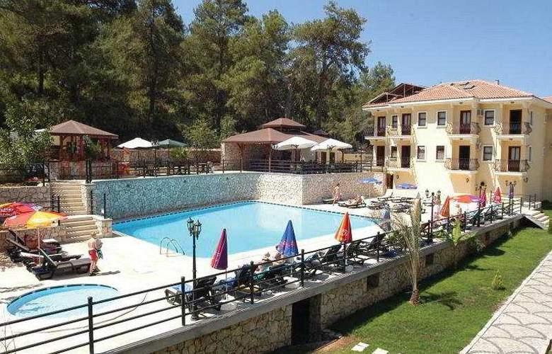 Grove Hotel - Hotel - 0