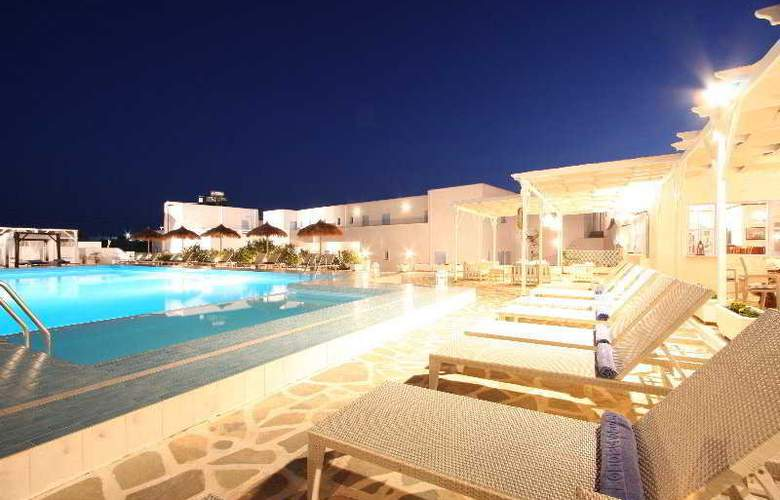 Narges - Terrace - 12