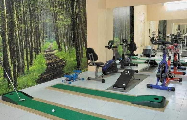 Mar-Ola Park Apartments - Sport - 6