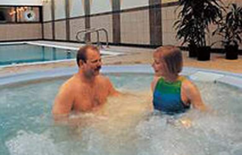 Hilton Anchorage - Pool - 3